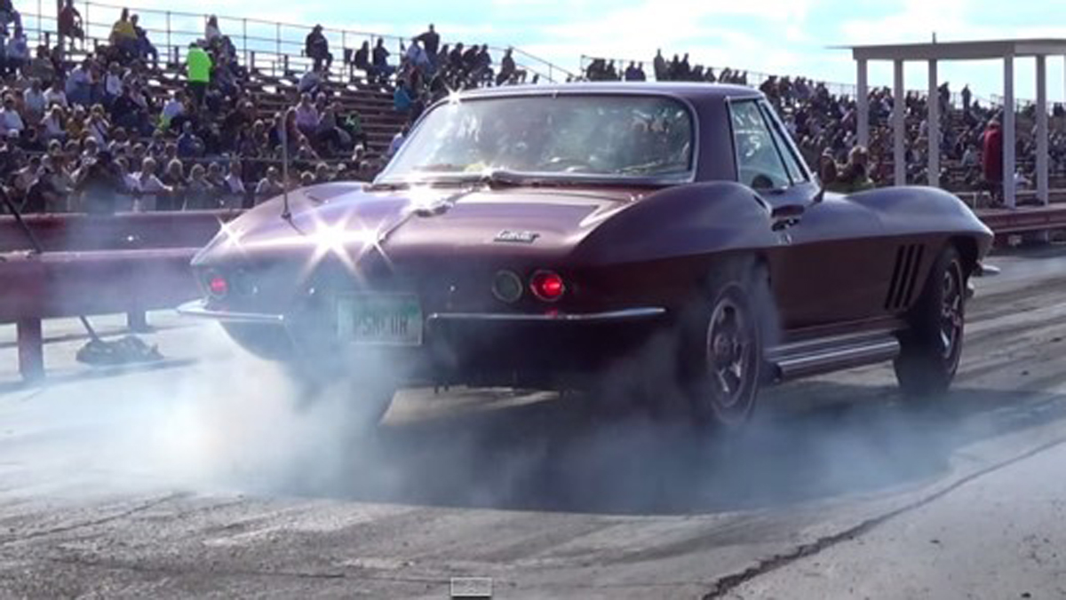 C2-1965-drag-racer-520x293