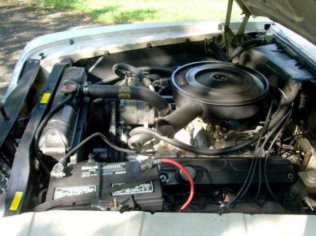 1961Plymouth_motor-650x485