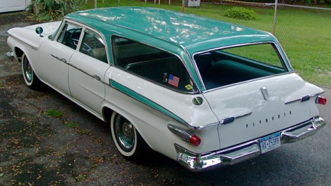 1961Plymouth_rear-650x366