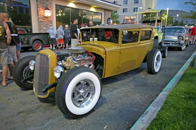 Bonneville_Speed_Week__2014_Nugget_Show17-650x433