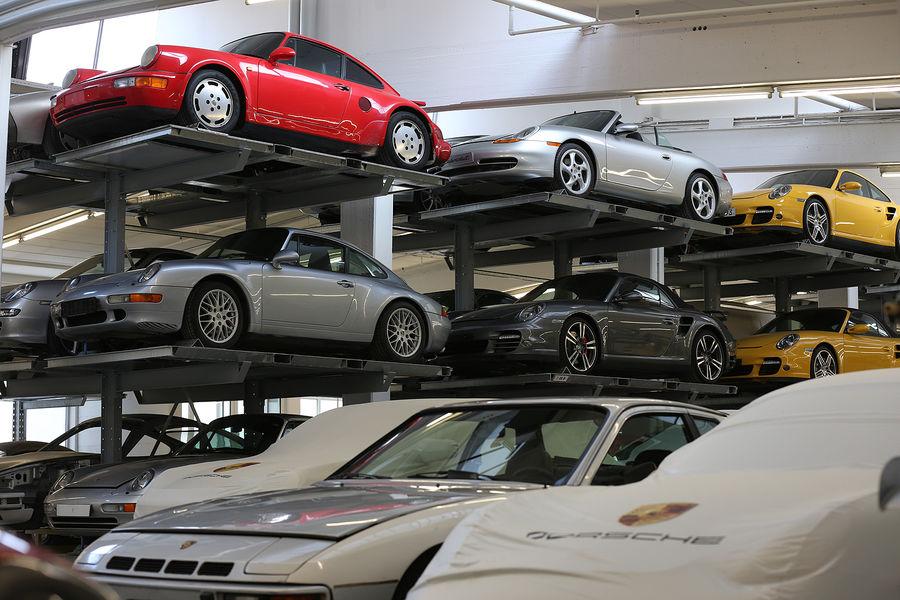Porsche-Museumslager-fotoshowBigImage-7b4a4ba9-743996