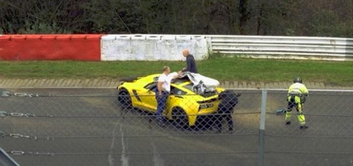 2015-Corvette-Z06-crash-720x340