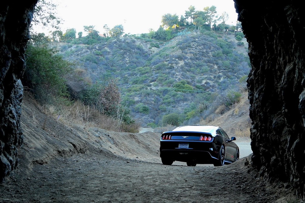 2015-ford-mustang-14batcave