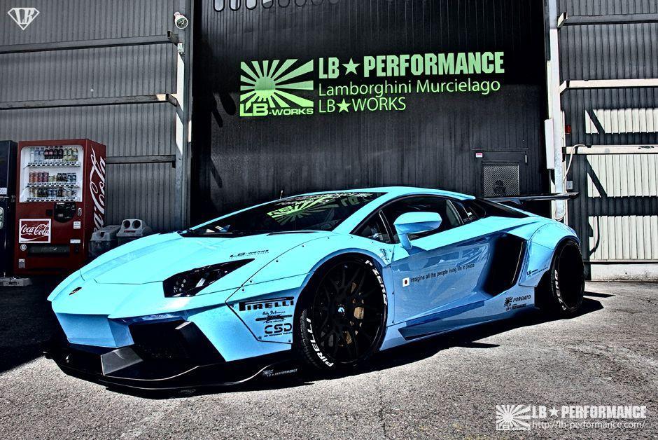 Lamborghini-Aventador-by-Liberty-Walk_1