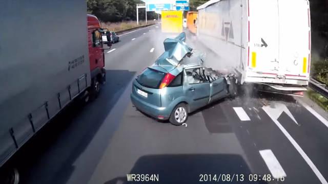 focus-truck-crash-sm