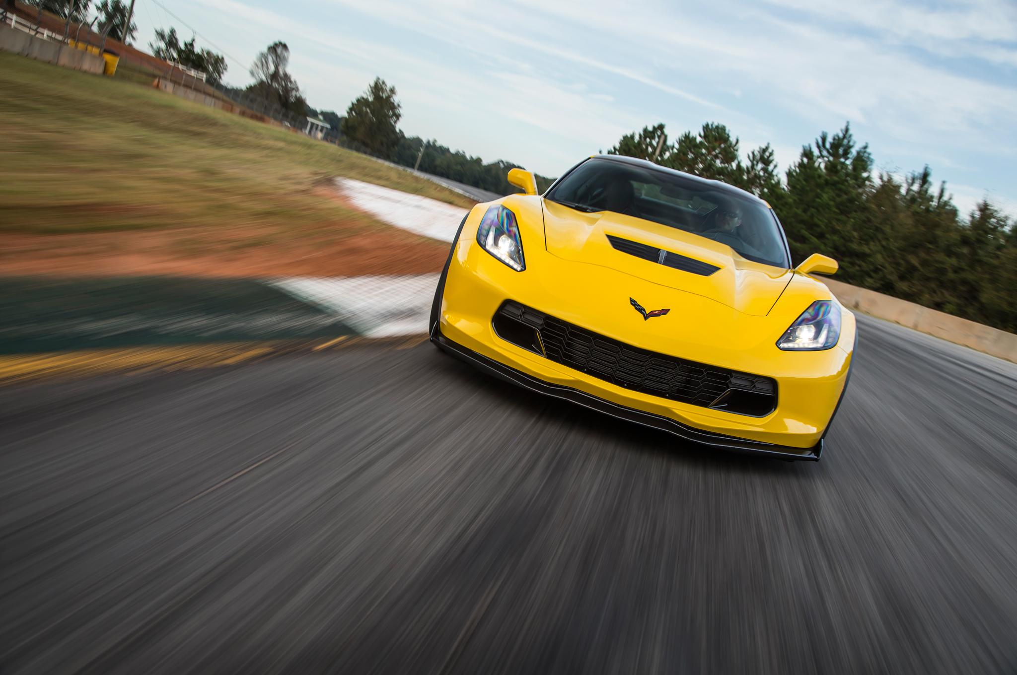 2015-chevrolet-corvette-z06-front-end-in-motion