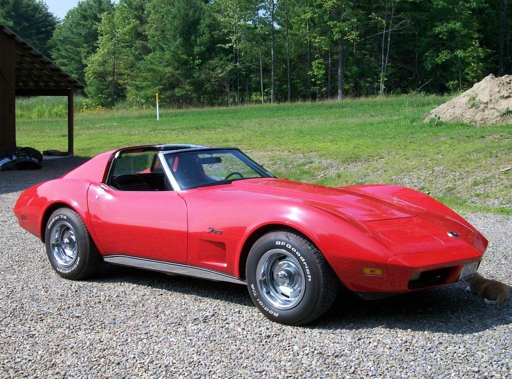 74_Corvette_Stingray-red