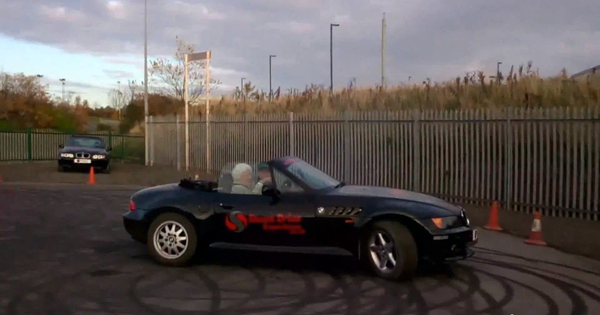 82-year-old-lady-does-donuts-with-a-bmw-z3-convertible-video-89536_1
