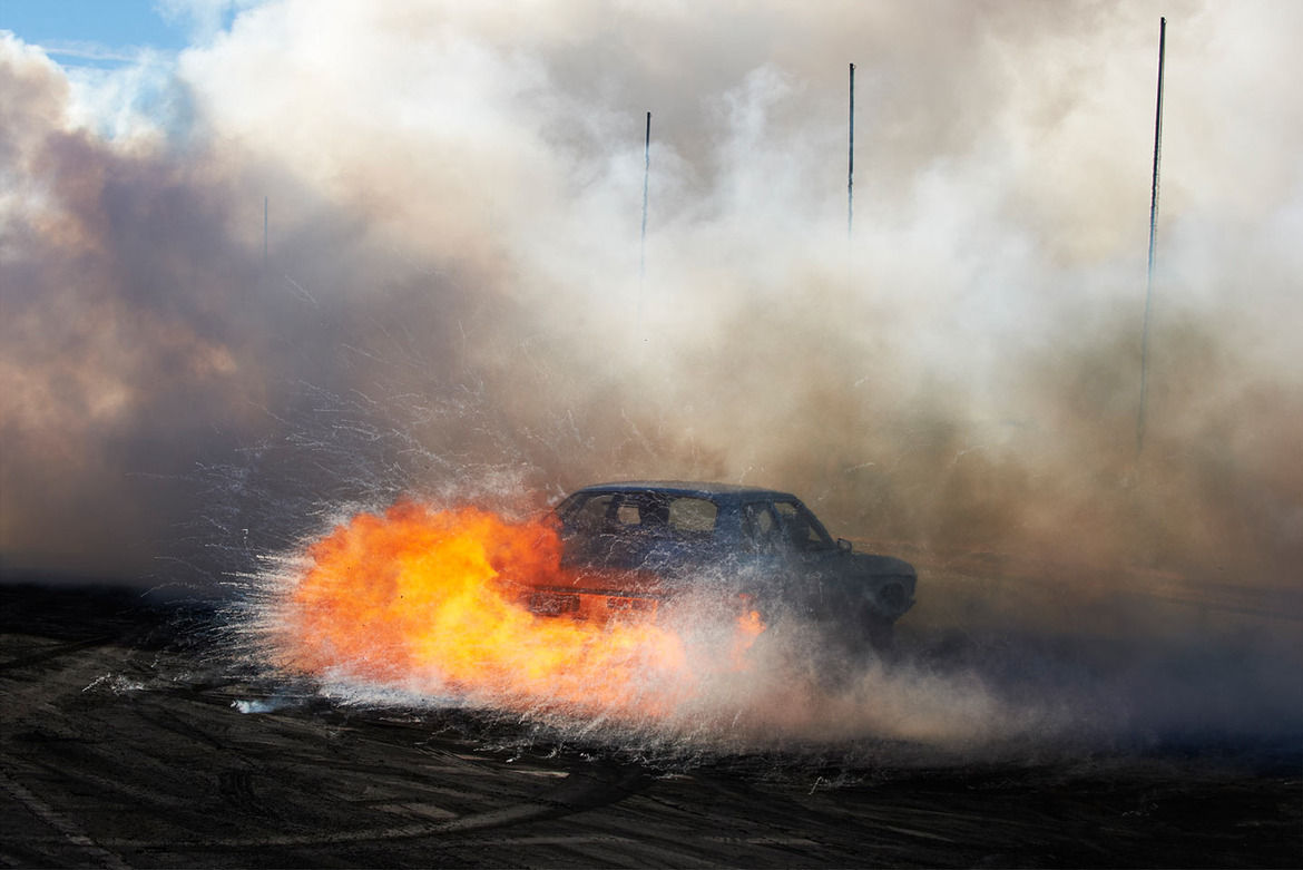 Aussie vs USA Burnout: Watch these mad drivers burning out