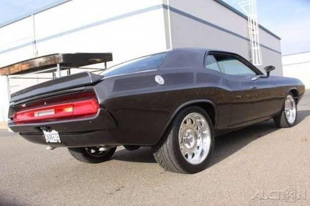 Dodge-Challenger-Viper-Rear