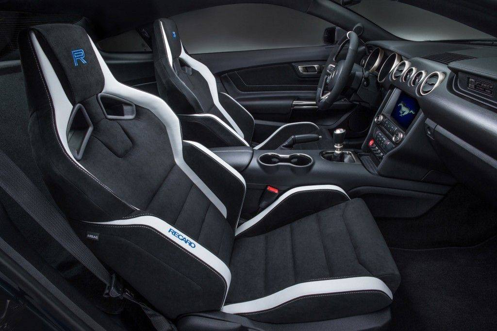 2016-ford-mustang_100496869_l
