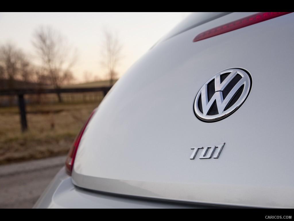 2012_volkswagen_beetle_tdi_36_1024x768