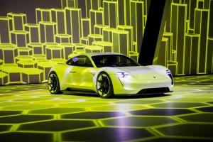 Porsche-Mission-E-Concept-4