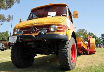 Such a weird Tow truck