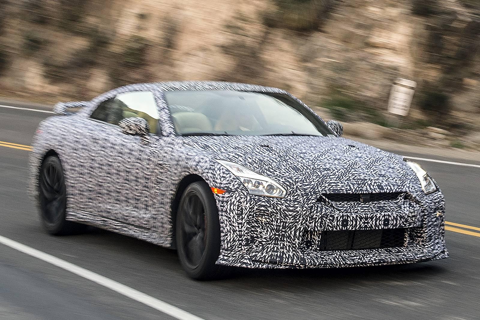 2017 Nissan GTR Spy shots