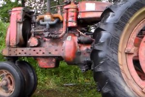 Farmall tractor engine
