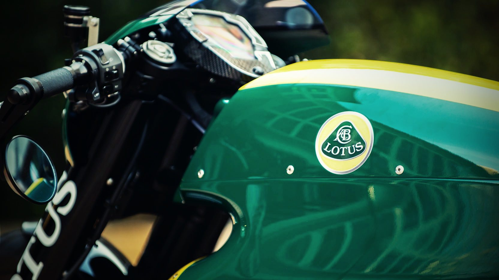 Lotus-C-01-Motorcycle-3