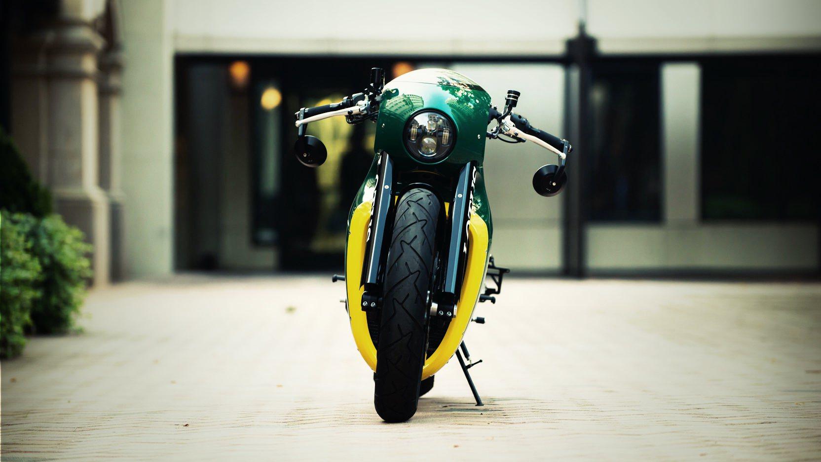 Lotus-C-01-Motorcycle-8