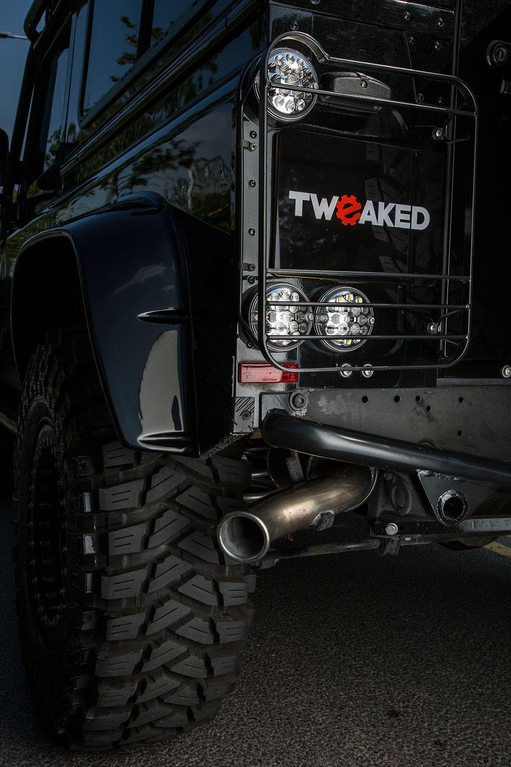 tweaked-land-rover-spectre-5