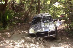 Porsche vs Jeep
