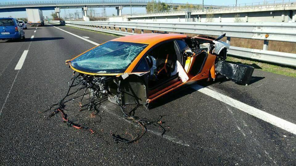 lamborghini-aventador-sv-crash-1