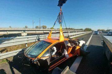 lamborghini-aventador-sv-crash-3