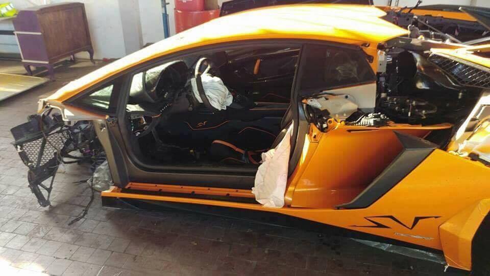 lamborghini-aventador-sv-crash-4